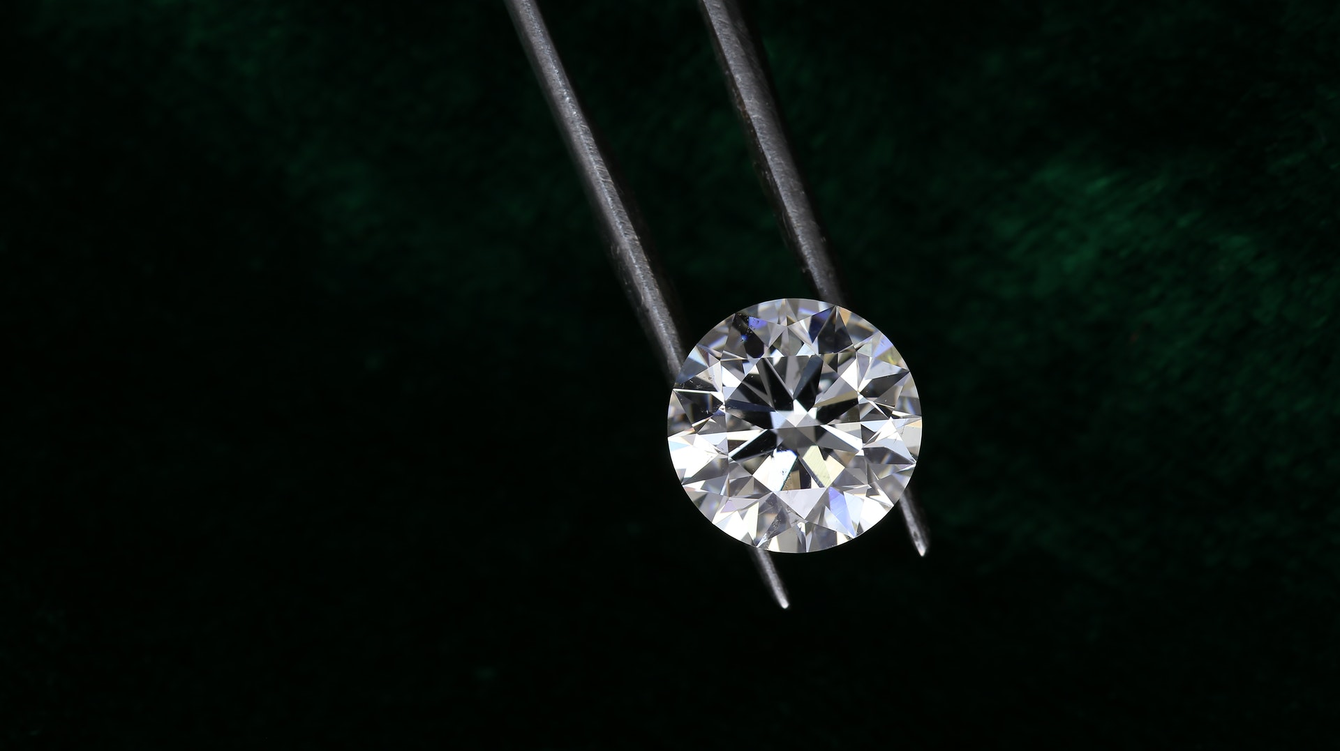 Szintetikus gyémánt gyűrű